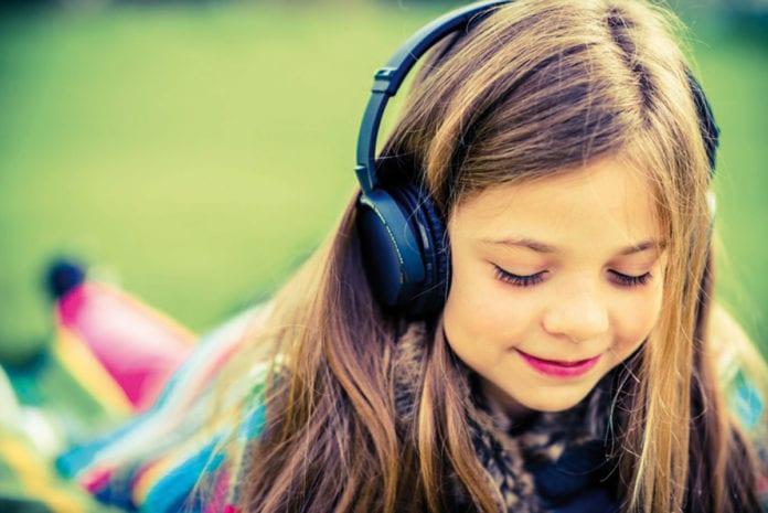 Altersgerechte Hoergeschichten für Kinder bis 12 Jahre_Hoerbuecher_Kinder_hoeren