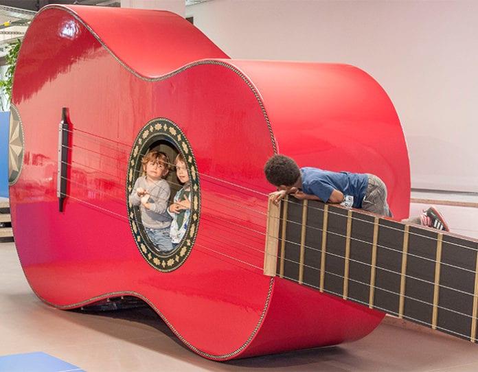 Deutsches_Museum_Kinderreich_Museumsinsel_Gitarre_Ausflug_Naturwissenschaft_Technik_Kinder