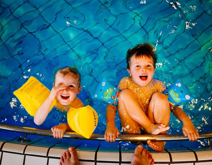 M_Baeder_Geburtstag_Kinder_Schwimmen
